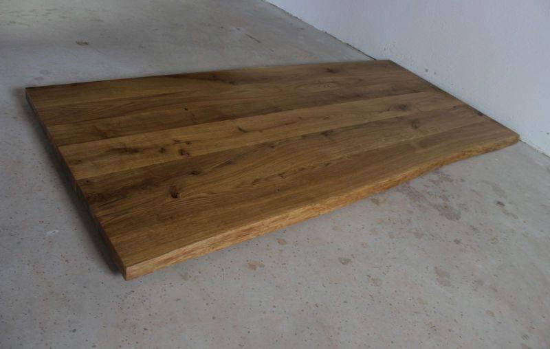 schreibtischplatte eiche massiv ge lt mit baumkante. Black Bedroom Furniture Sets. Home Design Ideas