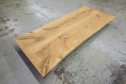 Tischplatte Eiche massiv geölt mit Baumkante Wildeiche
