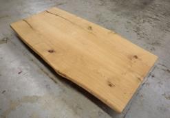Tischplatte Eiche massiv nach Maß rustikal mit Baumkante