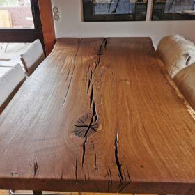 Baumstamm Tisch im Esszimmer