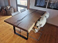 Baumstamm Tische