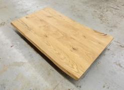 Tischplatte Eiche massiv rustikal mit Baumkante