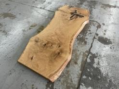 Baumstamm Baumscheibe Tischplatte Eiche massiv rustikal mit Baumkante