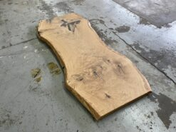 Baumstammtischplatte eiche massiv geölt
