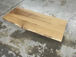 Schreibtischplatte Wildeiche massiv mit Baumkante geölt