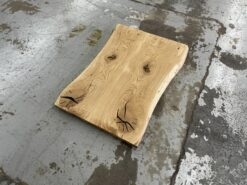 Tischplatte Wildeiche massiv rustikal mit Baumkante