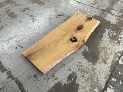 Waschtischplatte aus einem Stück Eiche massiv rustikal mit Baumkante