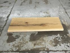 Waschtischplatte Eiche rustikal massiv aus einem Stück mit Baumknate