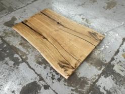 Tischplatte Wildeiche rustikal mit Baumkante