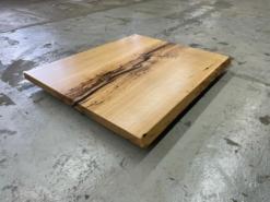 epoxidharz Tischplatte Couchtisch Eiche massiv mit Baumkante